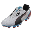 PUMA Momentta FG (Metallic White/Black)