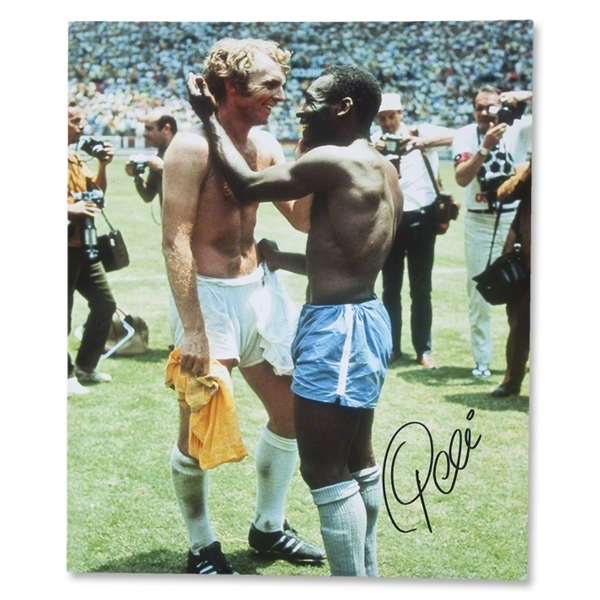 Pele and Bobby Moore WC 1970 Photo