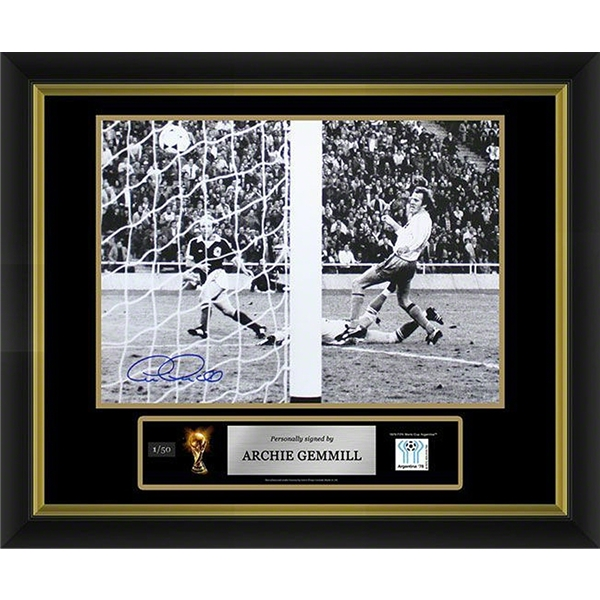 Archie Gemmill Signed Photo